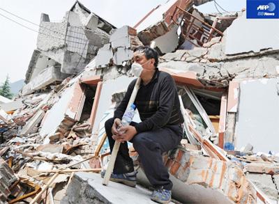 四川大地震、家を失った被災者 見えない先行き